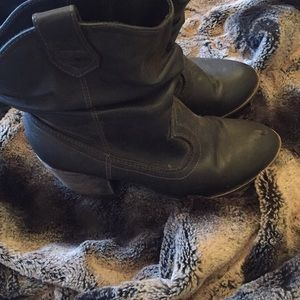 Rocket dog low rise cowgirl boots
